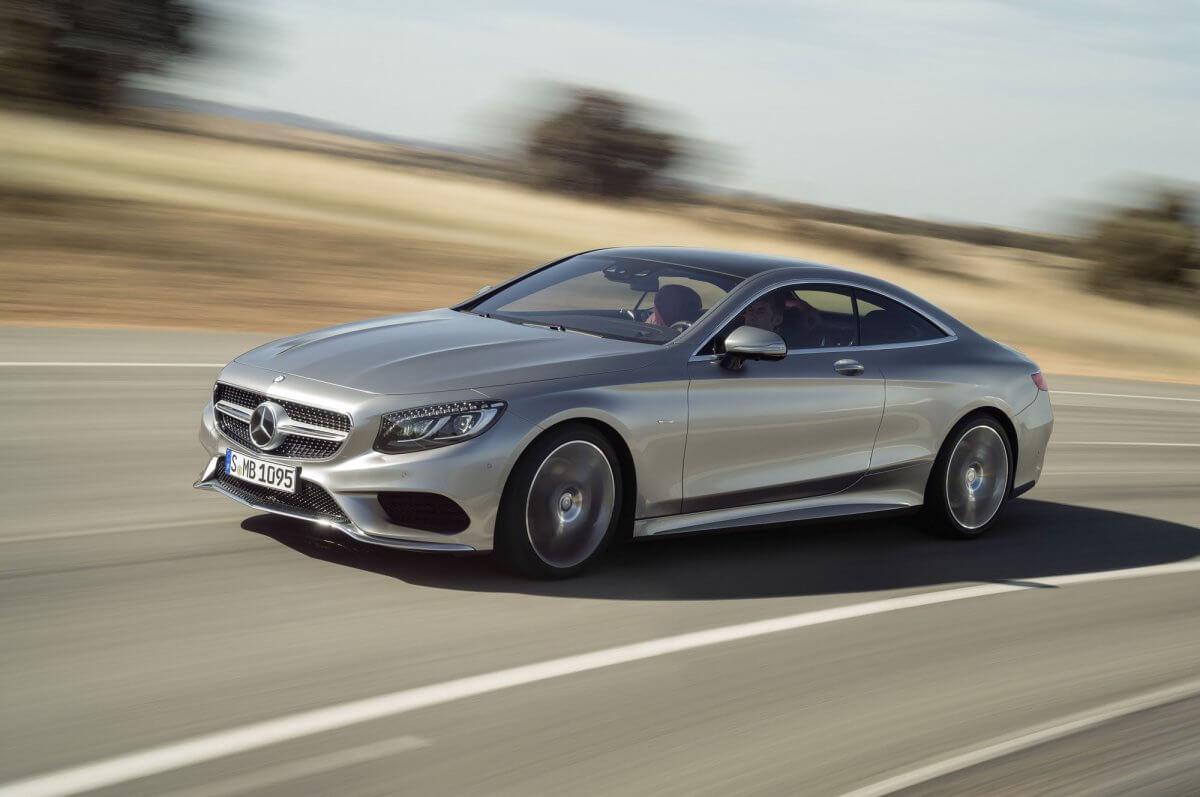 the-s550-mercedes-offered-to-american-customers-comes-with-all-wheel-drive-and-a-47-liter-v8-biturbo-engine-under-the-hood