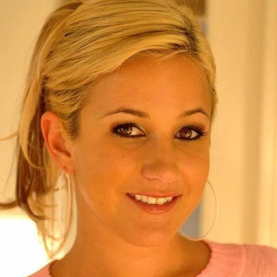 Alice-Miller-Lia19-aka-Lia-Leah-33