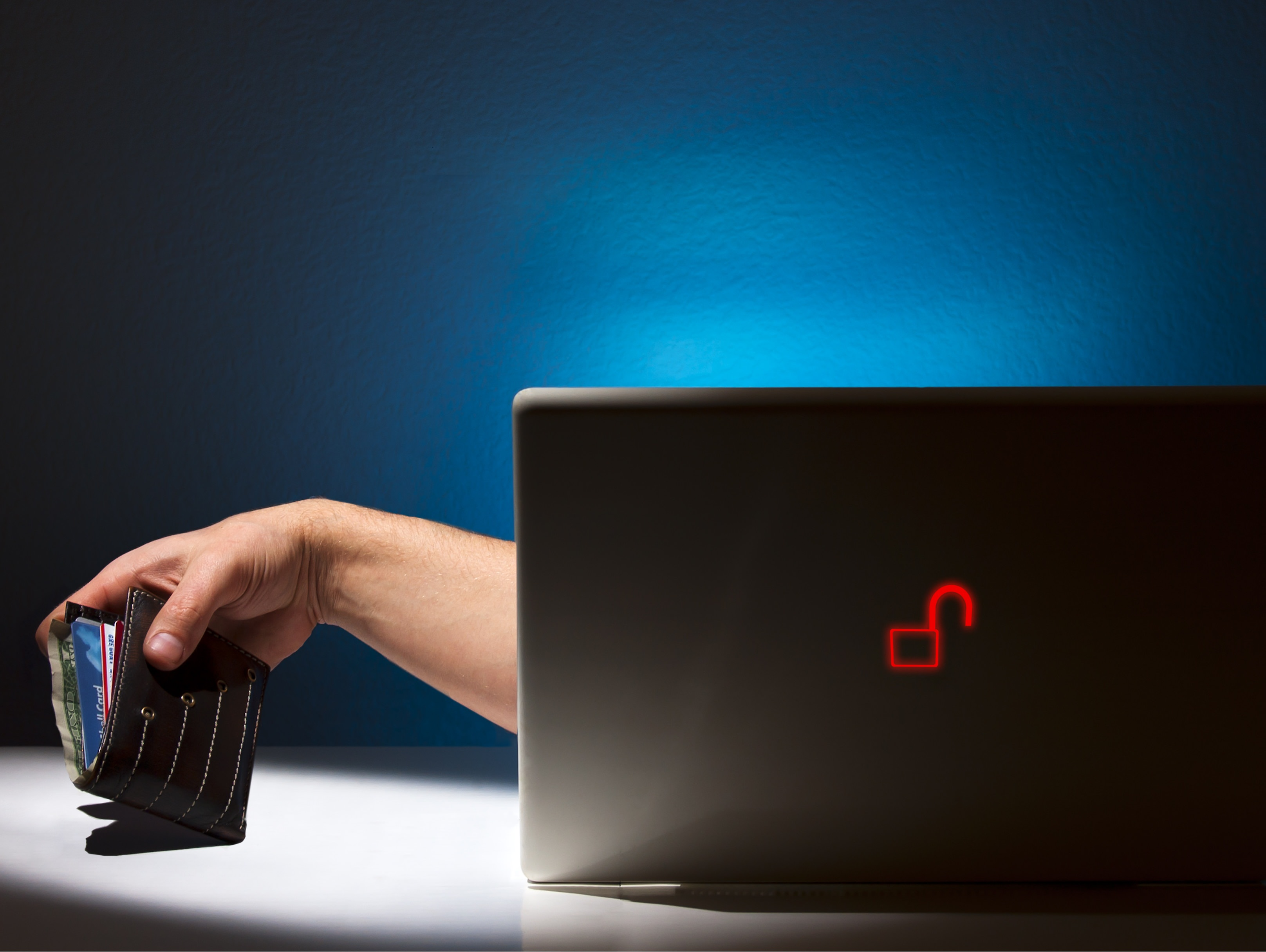 Internet Theft and Fraud From an Unsecure Laptop