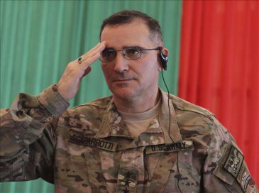 Gen-Curtis-Mike-Scaparrotti-9