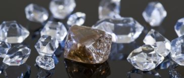 Financial-Fraud-Group-Of-Twelve-Charged-For-Role-in-Fraudulently-Obtaining-Millions-of-Dollars-in-Virtually-Untraceable-Diamonds-364x156