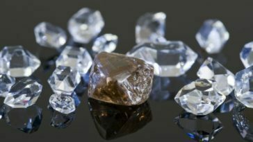 Financial-Fraud-Group-Of-Twelve-Charged-For-Role-in-Fraudulently-Obtaining-Millions-of-Dollars-in-Virtually-Untraceable-Diamonds-364x205